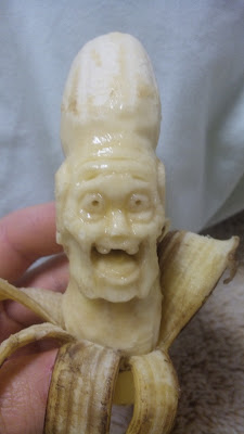 12 Creative 3D Banana Sculptures (12) 1