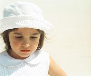 صورة طفلة معبرة عن الحزن 2013