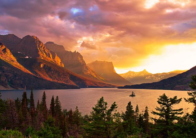 Wild Goose Island, pics of lakes