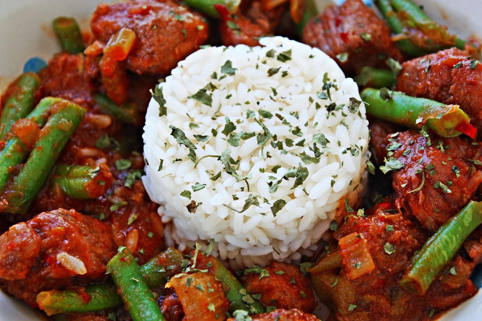 Eintopf mit Bohnen Schweinefleisch und Chili Honig Sauce