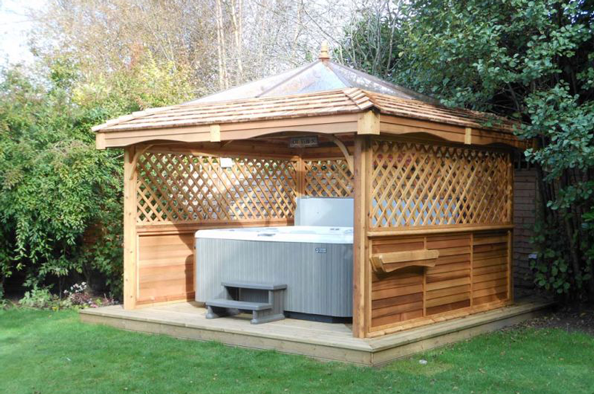 Simon Bowler Bespoke Garden Architecture Wooden Hot Tub