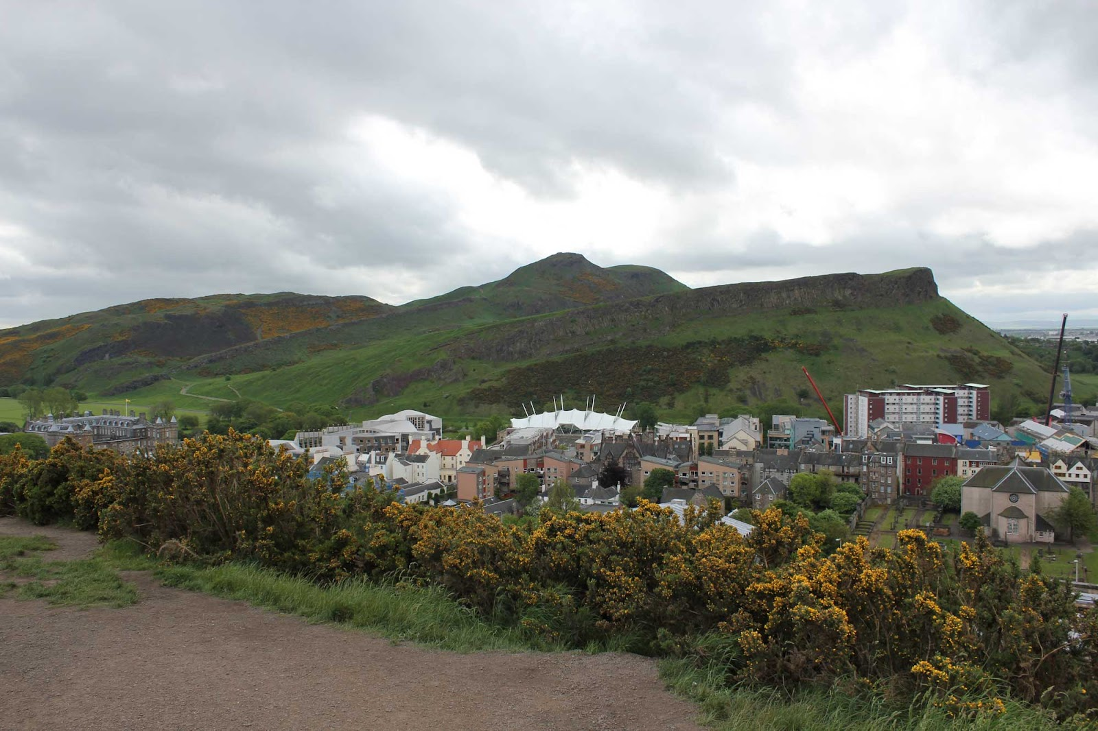 - fleur du poirier -: Holyrood Park. Edinburgh.