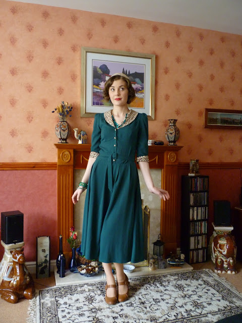 leopard and emerald 1940s outfit via lovebirds vintage