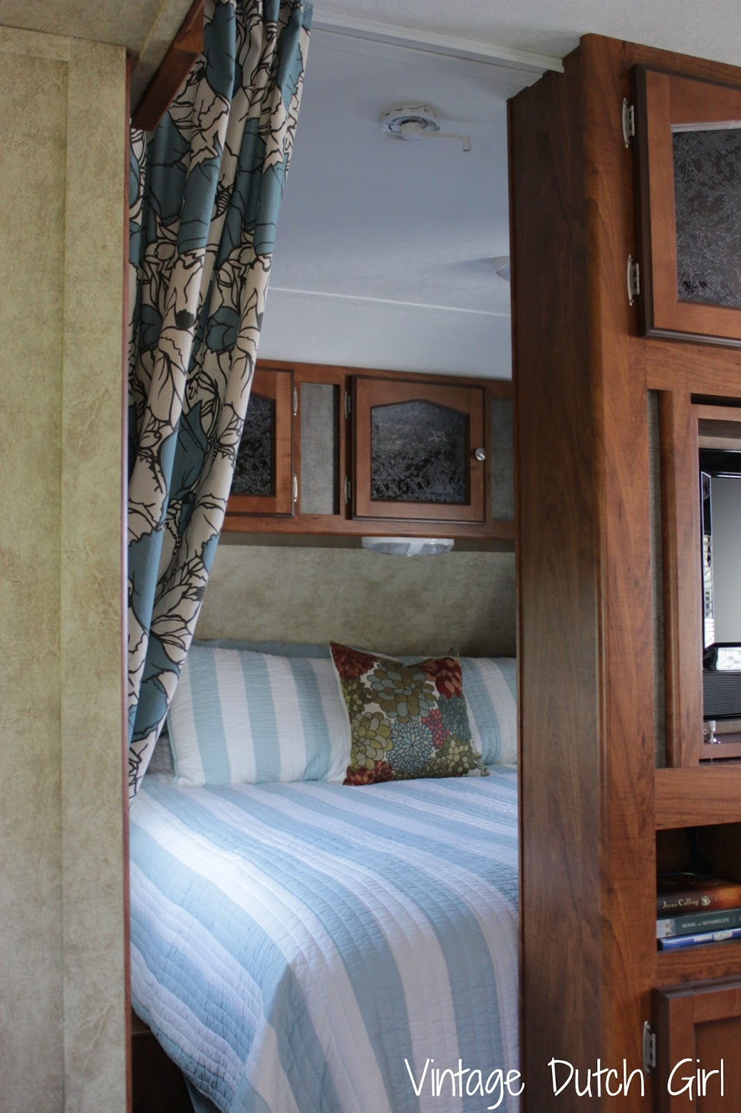Vintage Dutch Girl: Travel Trailer Makeover, Part 8: Master Bedroom And  Privacy Curtains.