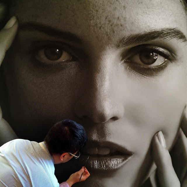 Artista cria belíssimas pinturas fotorrealistas de mulheres em grandes telas