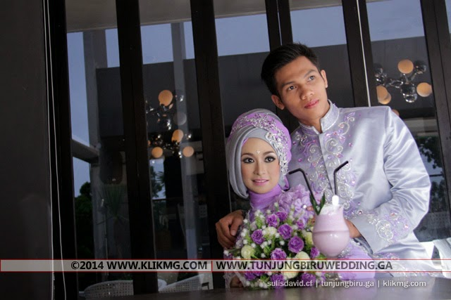 Pernikahan [ Prewed Photo Session ] Sulis & David Dalam Balutan Busana Muslim Hijab Ungu Muda - Make Up & Busana oleh Tunjung Biru Rias Pengantin (tunjungbiruwedding.ga) - Foto oleh : Klikmg 2 Fotografer Bandung