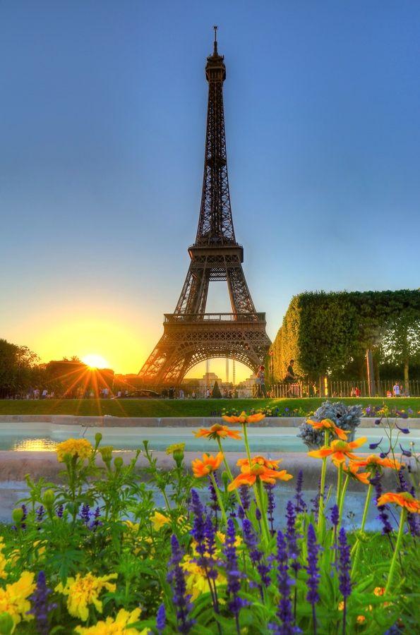 Рассвет в Париже