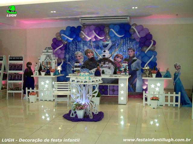 Tema Frozen para decoração de festa de aniversário de meninas realizado na Barra RJ