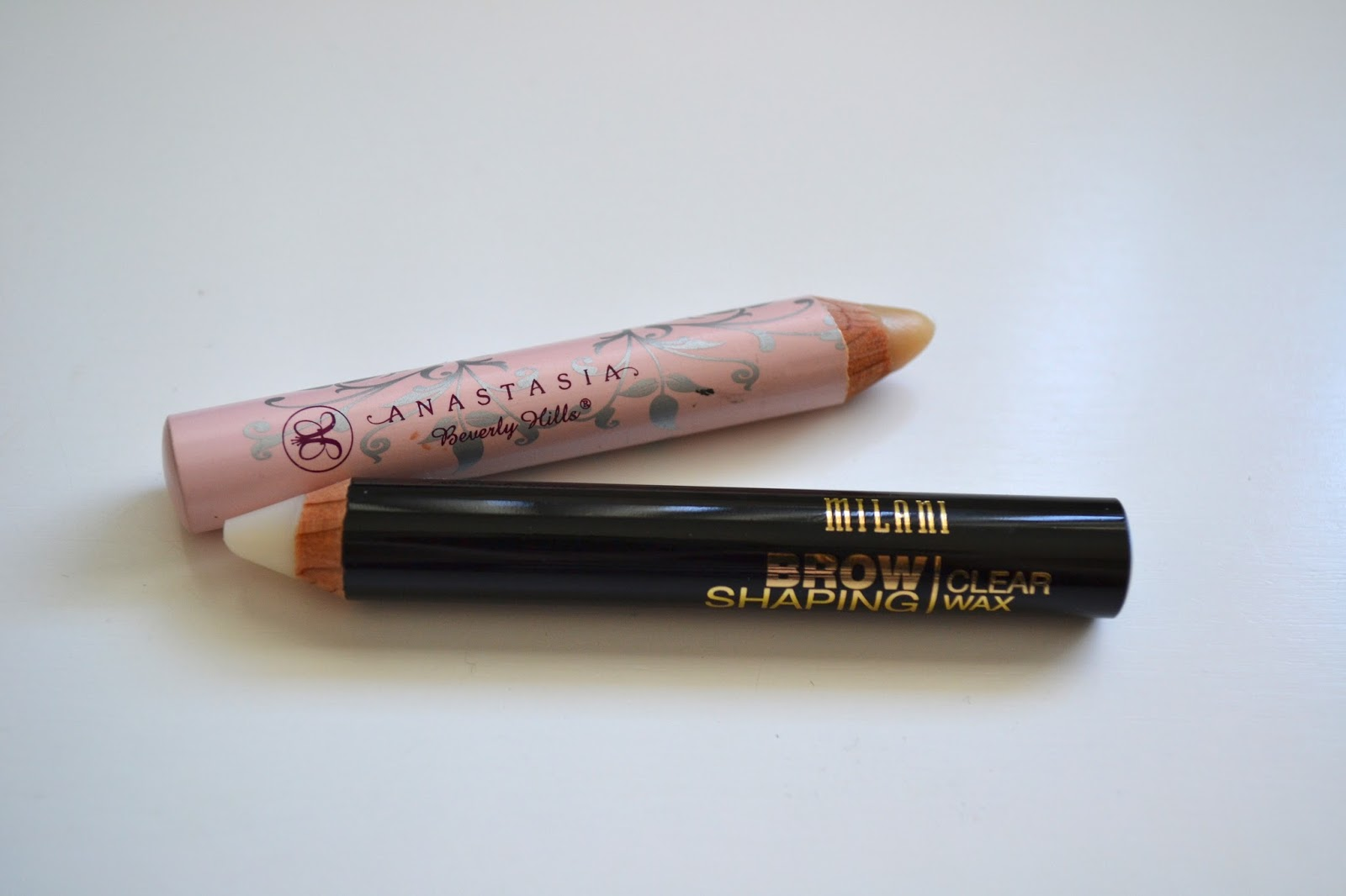 Milani Cosmetics Brow Shaping Clear Wax - Photos and Review ...