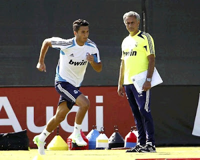 Nuri Sahin training with Jose Mourinho