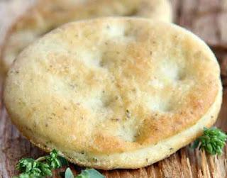 Focaccia with potato flakes
