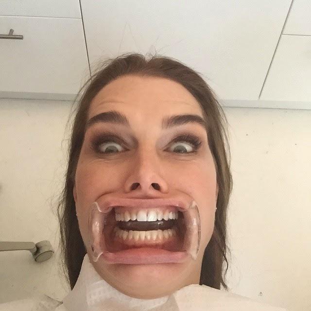 Que bonitos dientes tiene Brooke Shields