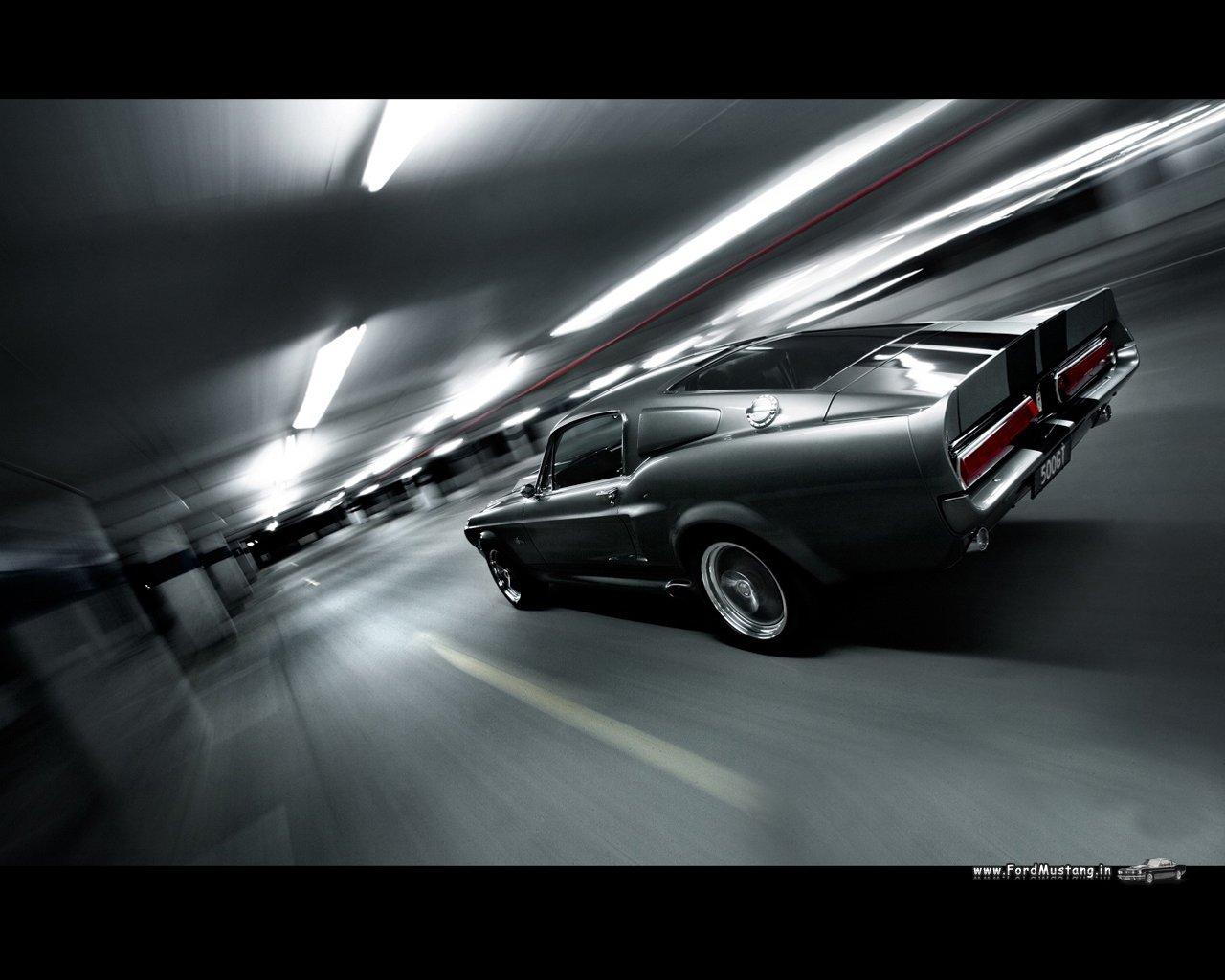 http://1.bp.blogspot.com/-c4CeIVRtaUA/UHSKbcE3GCI/AAAAAAAAAlI/hj0c6KnLe2M/s1600/Ford-Mustang-Shelby-GT500-1280x1024-02.jpg