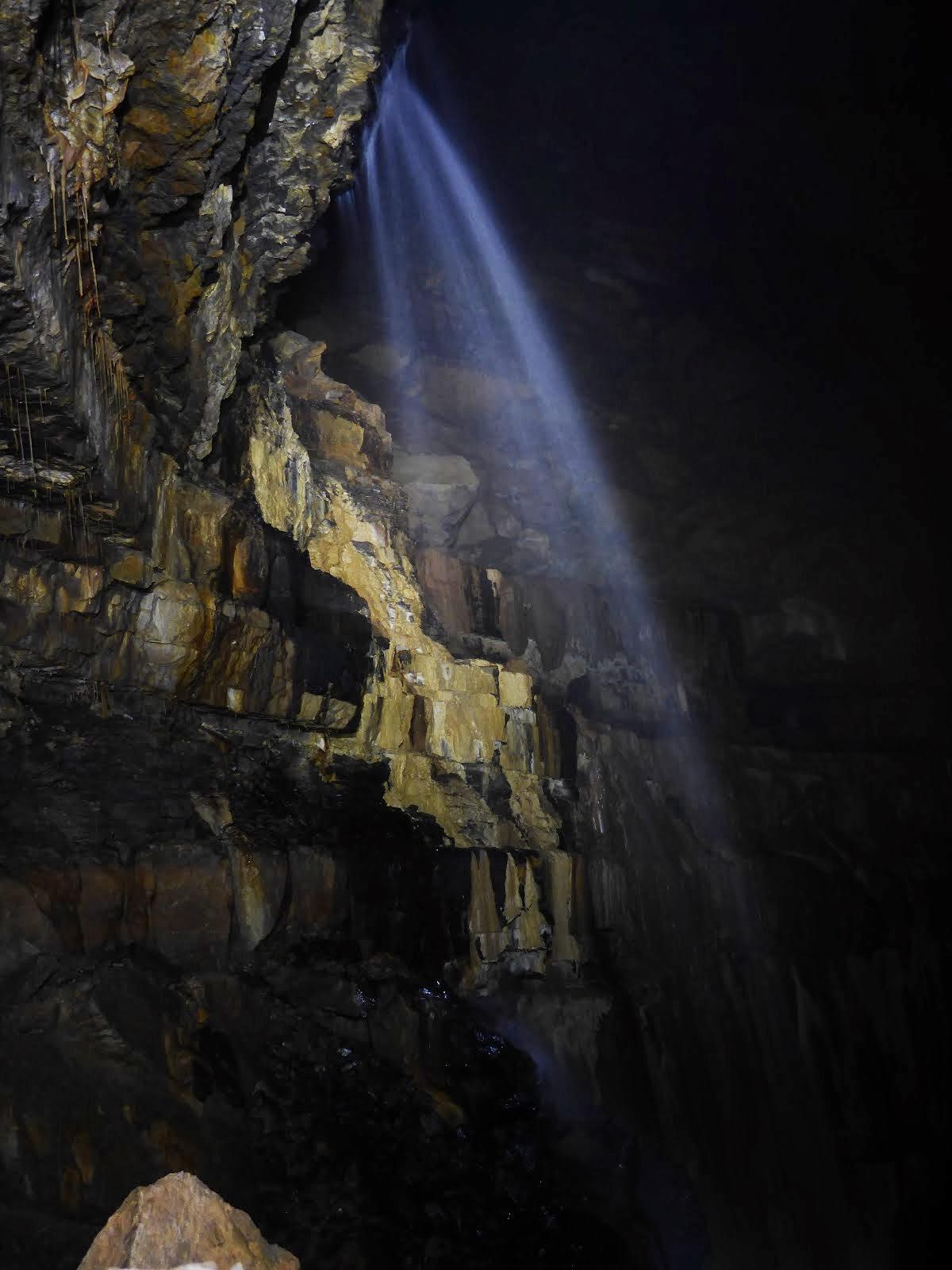 Cascada en la Sala del Angel