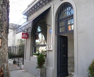 Puerta de Adolfo Café