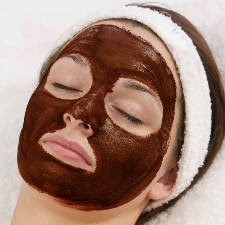 ماسك الكاكاو والشوفان لتنعيم البشرة الجافة