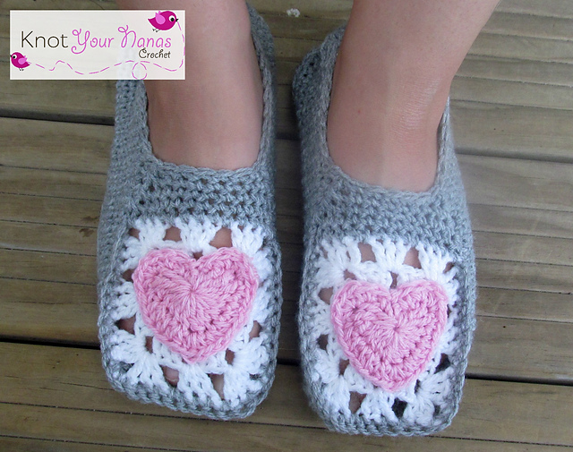 Free Pattern For Crochet Slippers : Fiber Flux: Pretty Slippers! 12 Free Crochet Patterns...