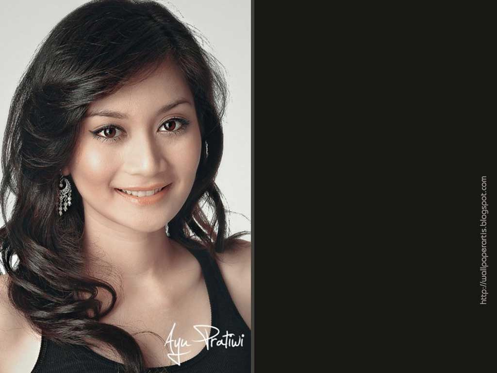 Ayu Pratiwi Foto Wallpaper Artis Indonesia