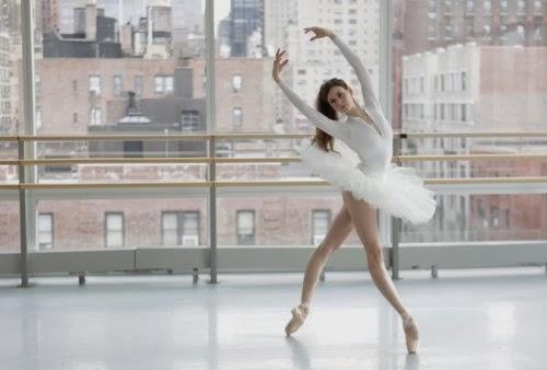 Ballet Beautiful cvičenie na vnútorné stehná