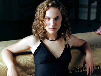Natalie Portman Beautiful Hollywood Actress Latest Wallpaper-1600x1200-08