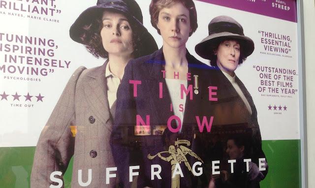 Das Filmplakat zu Suffragette mit Helena Bonham-Carter, Carey Muligan und Meryl Streep. Foto: Tina Stadlmayer