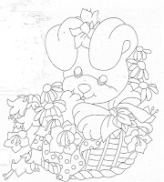 coelha na cesta de flores