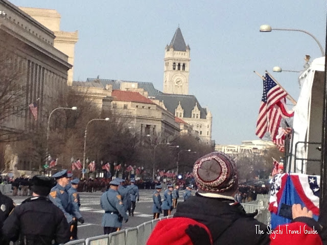 "<img src=""image.gif"" alt=""This is Pennsylvania Avenue"" />"