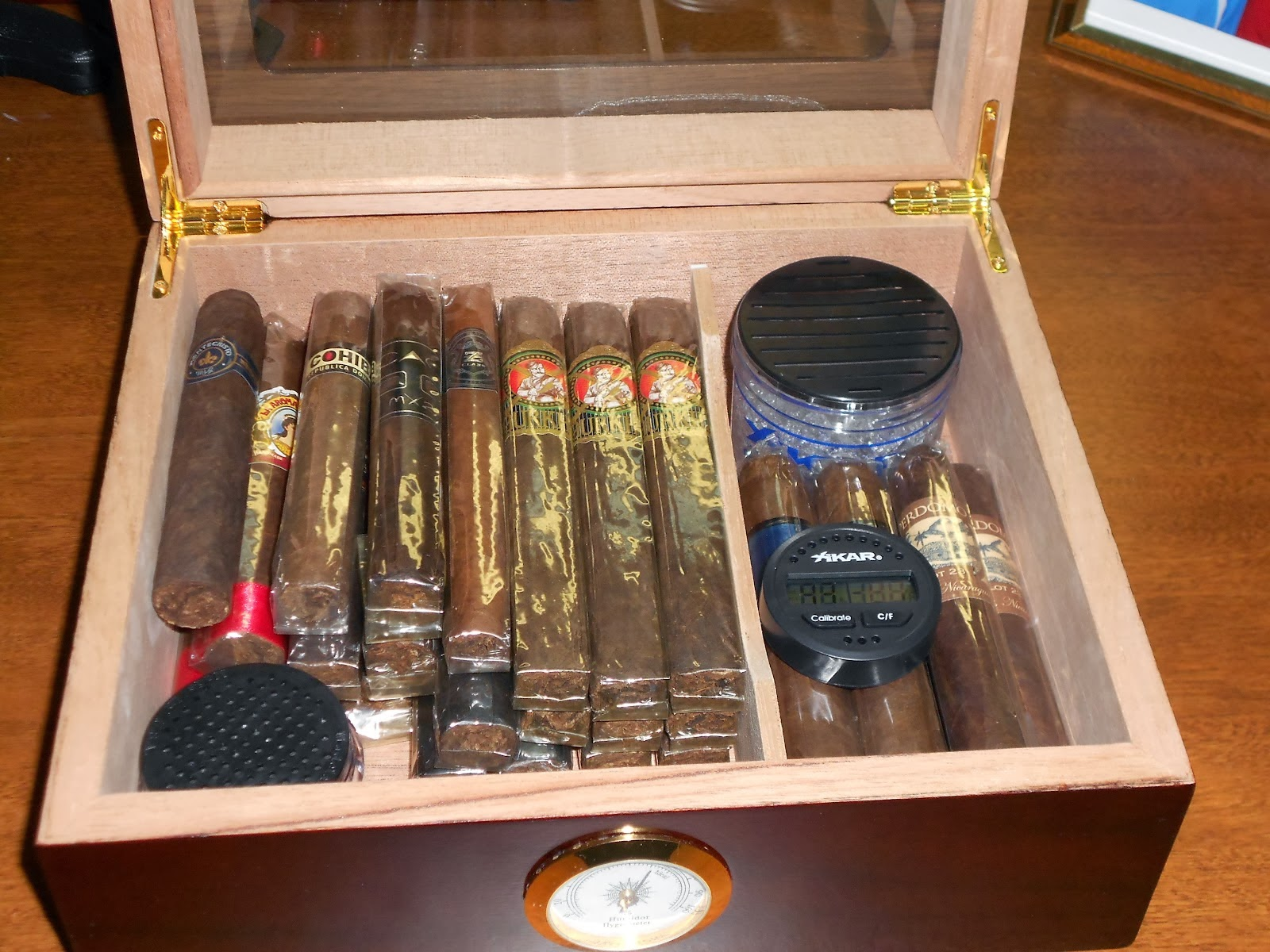 Unwinding Moments: Steps to Make Sure That Your Cigar Humidor is Good #AA2123