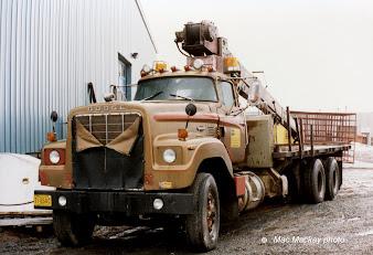 #16 Heavy Trucks Wallpaper