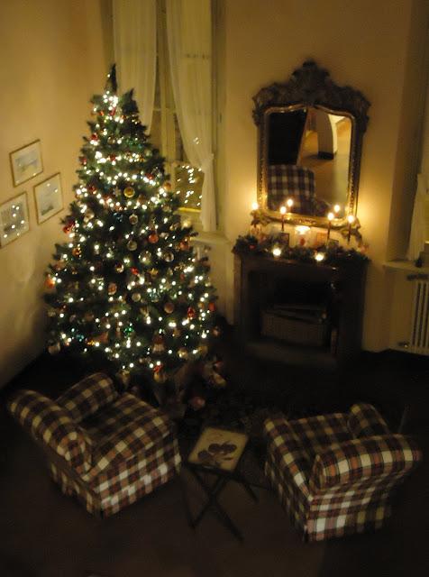Nel nido dicembre 2011 - Camini decorati per natale ...