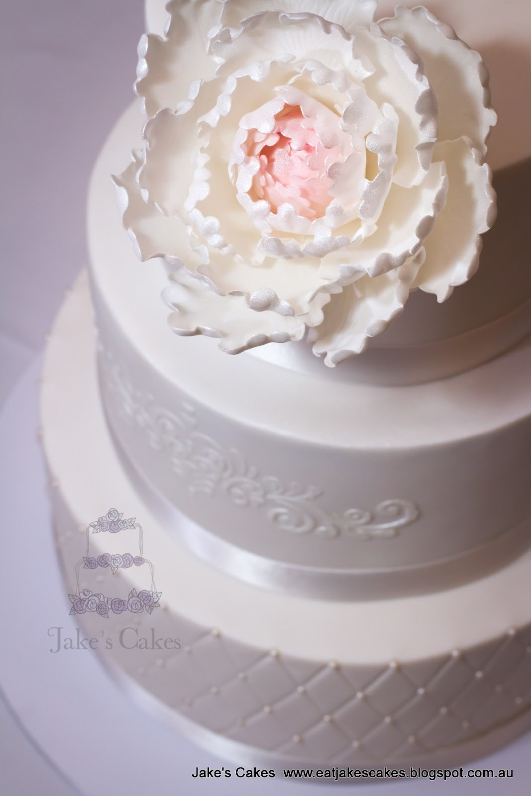 Jake\'s Cakes: Jess\'s Peony Wedding cake