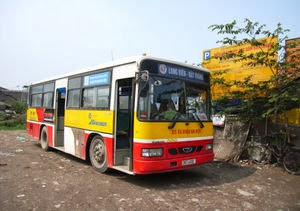 Bus No. 47 from Long Biên to Bát Tràng