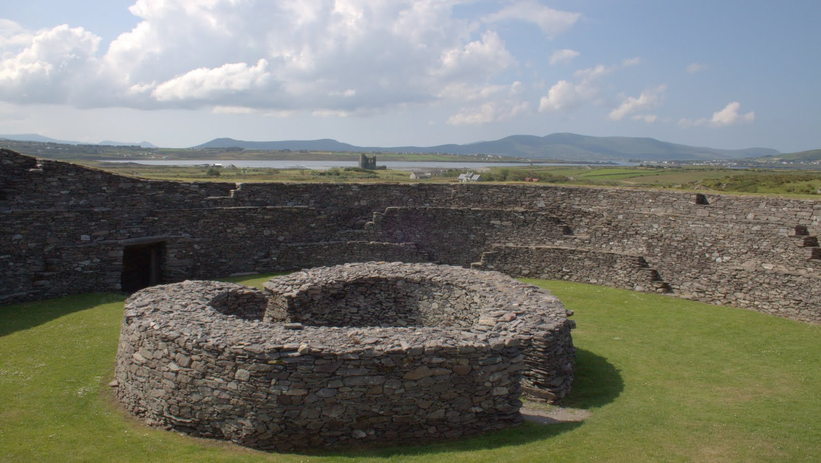 Historic sites of ireland cahergal stone fort for 121 141 westbourne terrace london