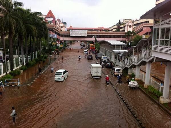 PDIP Pun Akui Tak Gampang Tangani Banjir Jakarta