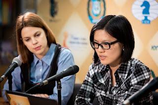 Echecs : Anastasiya Karlovich et Hou Yifan - Photos © site officiel