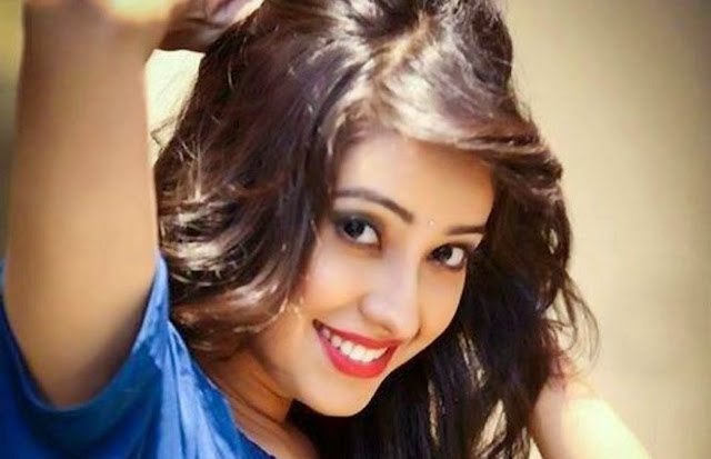 Asha Negi HD Wallpaper