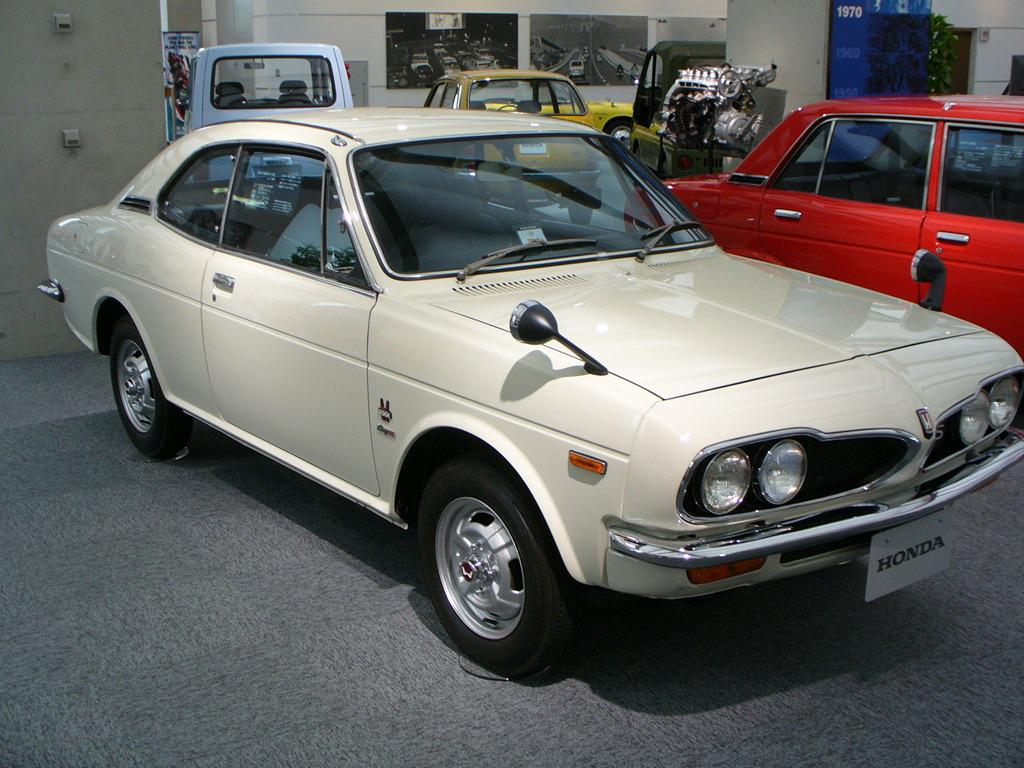 Honda 1300 Coupe  stary japoński samochód, klasyk, oldschool, 日本車, クラシックカー