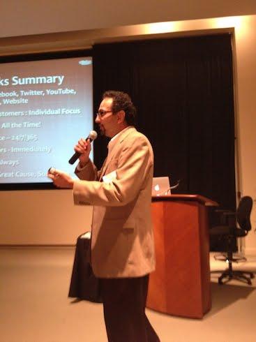 Sanjay Dalal giving social media talk