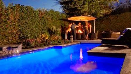 barbecue autour de la piscine