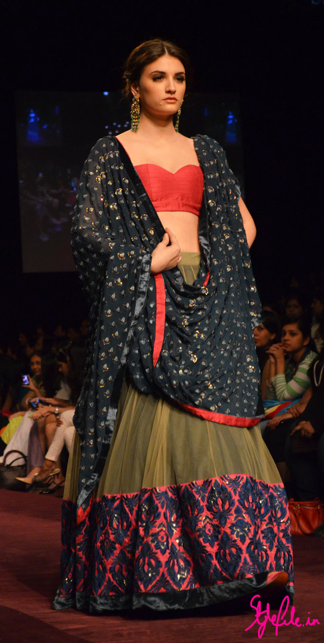 lakme fashion week shyamal bhumika lehenga