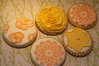 Brush embroidery cookies, stencil cookies