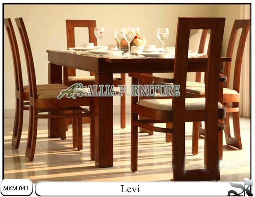 Kursi makan minimalis dan meja Levi