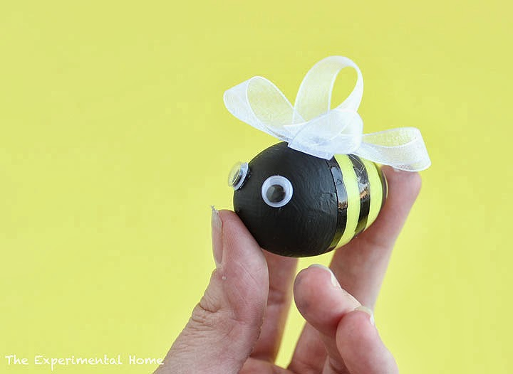 The craftinomicon 7 great crafts for spring for Plastic bees for crafts
