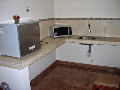 Cocina en habitación Hotel Golden Inca, Cusco, Perú, La vuelta al mundo de Asun y Ricardo, round the world, mundoporlibre.com