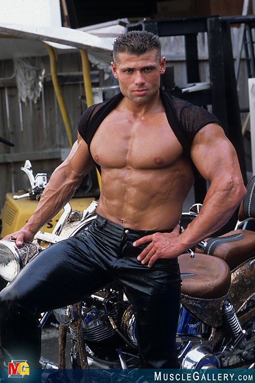 muscle angeles leather Gay chats los