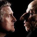 El diseñador de efectos de maquillaje, Nick Dudman, con Griphook