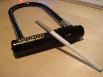 Ballpoint Pen U Lock