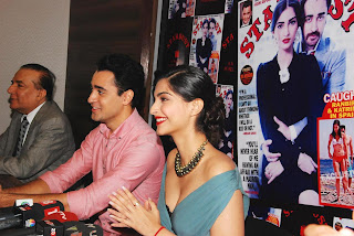 Sonam Kapoor and Imran Khan Launches Stardust Magazine (2).JPG