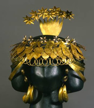 HEADDRESS OF A GODDES FOUND AT UR