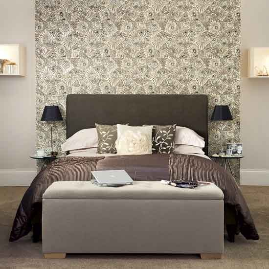 Purple Red And White Bedroom - Home Designer